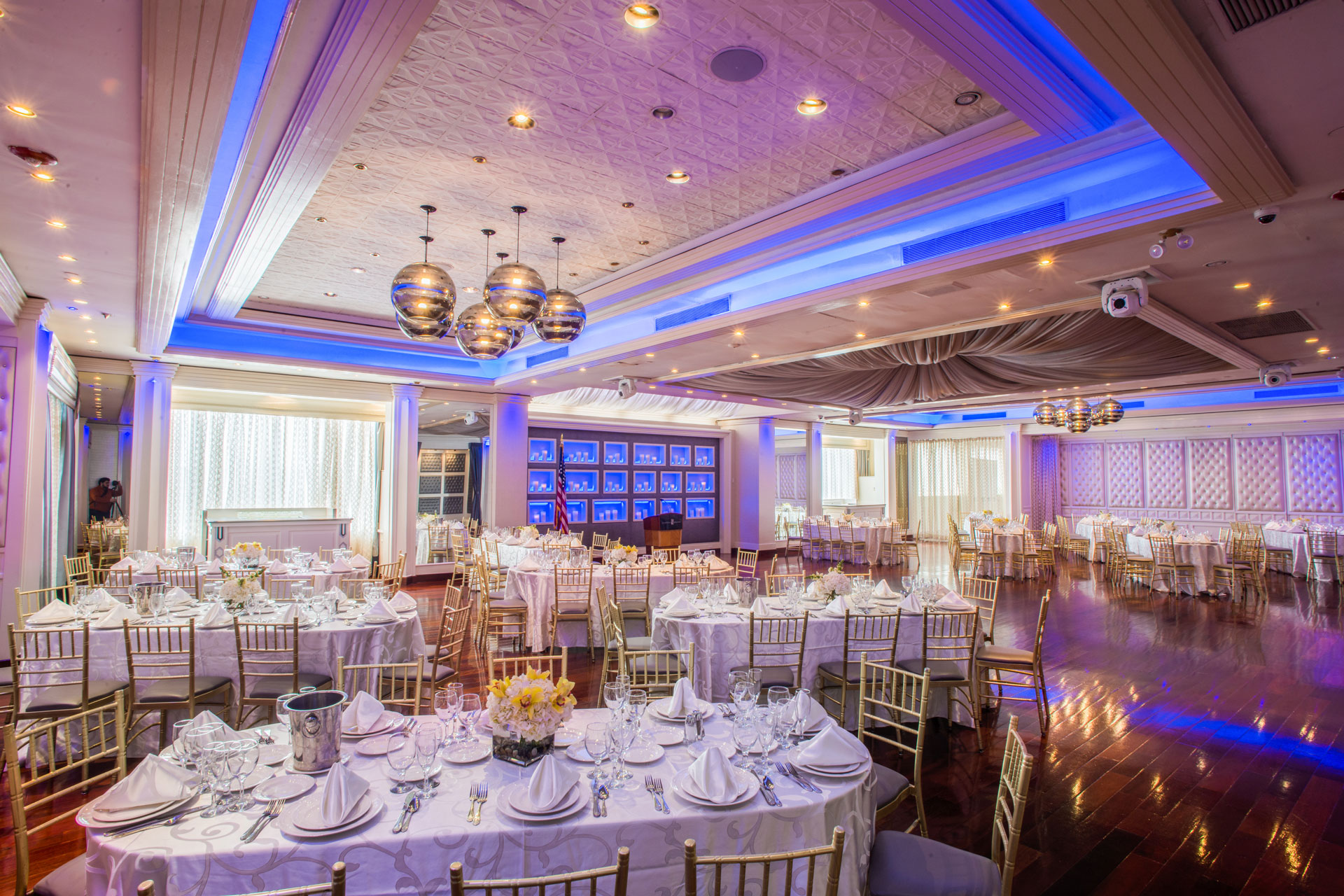 An Ideal Long Island Meeting Space Whether you're planning a corporate retreat, sales meeting, seminar or team-building event, Chateau Briand is the unique Long Island event venue that's key to your success. Easily accessible from all major highways and parkways on Old Country Road, Chateau Briand is the perfect Long Island destination for all of your most crucial business meetings, especially when our location is paired with the deft touch and expertise of our highly experienced staff. Chateau Briand's professional meeting spaces are ideal for corporate events and allow our staff to coordinate each and every element of your professional needs.   With wifi services, state-of-the-art meeting equipment, A/V capabilities, and savvy staff, your business gathering will impress clients, colleagues, family, and friends. And after the meetings conclude, enjoy the area's nearby shops and restaurants, all poised to close the deal on a successfully constructive corporate event.