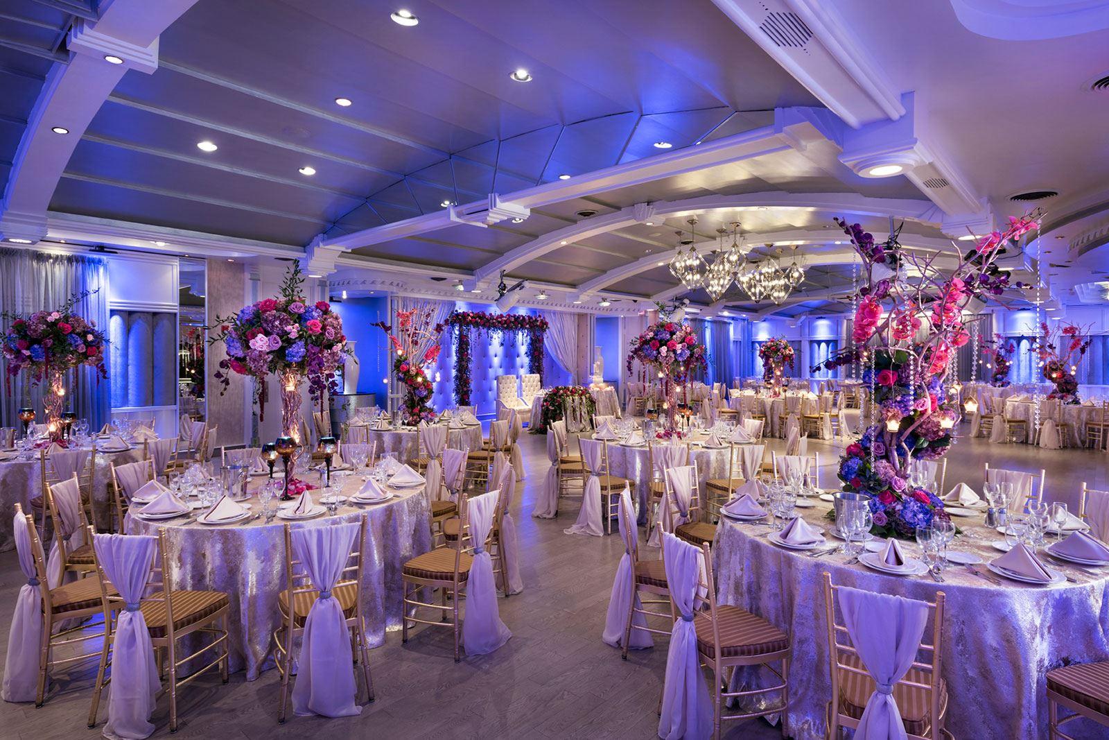 Chateau Briand Ballroom Tables