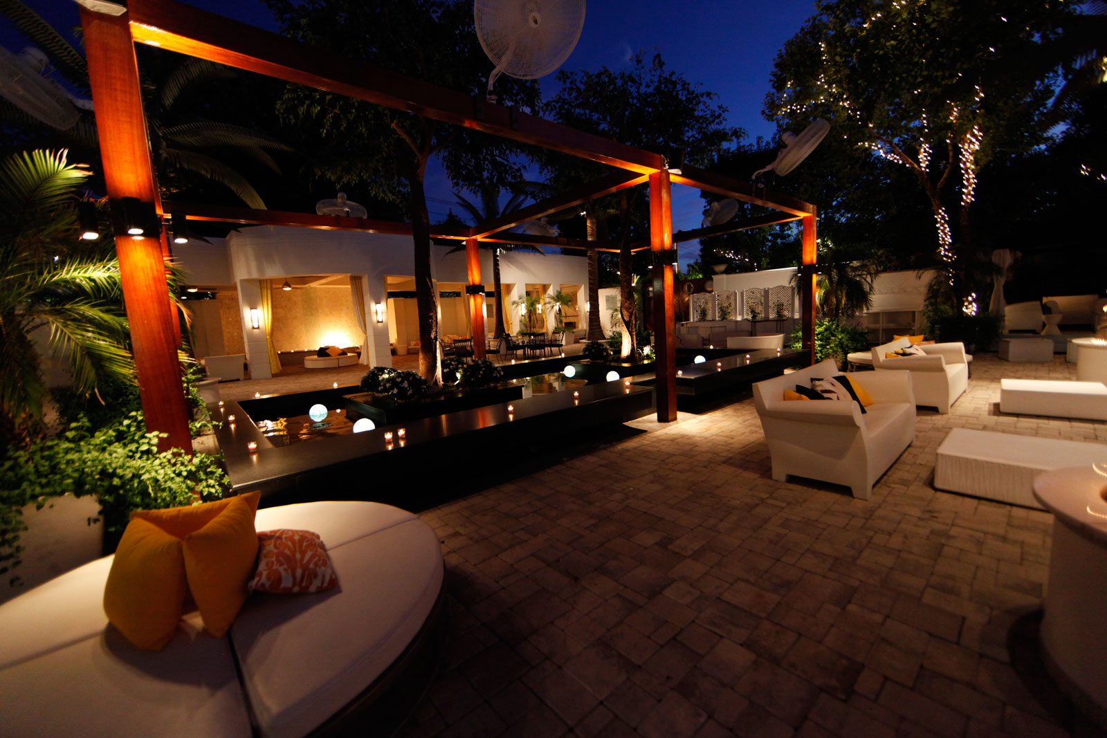 Chateau Briand Caterers Outdoor Garden