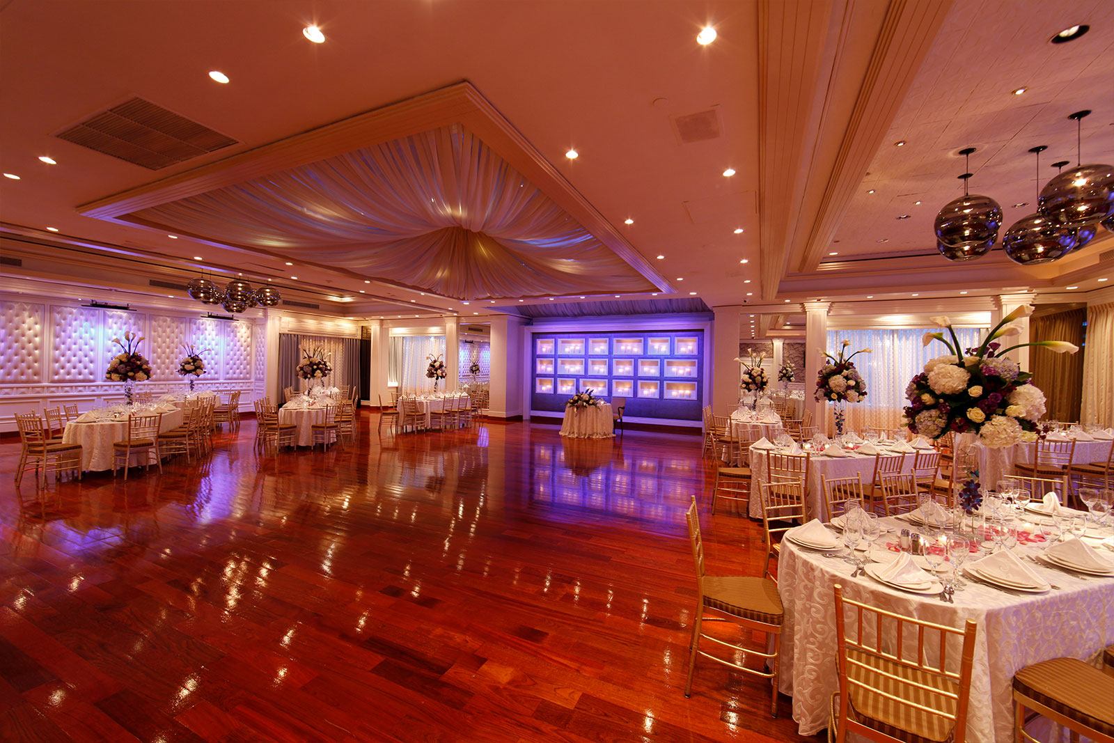wedding elegance in the saturnia ballroom